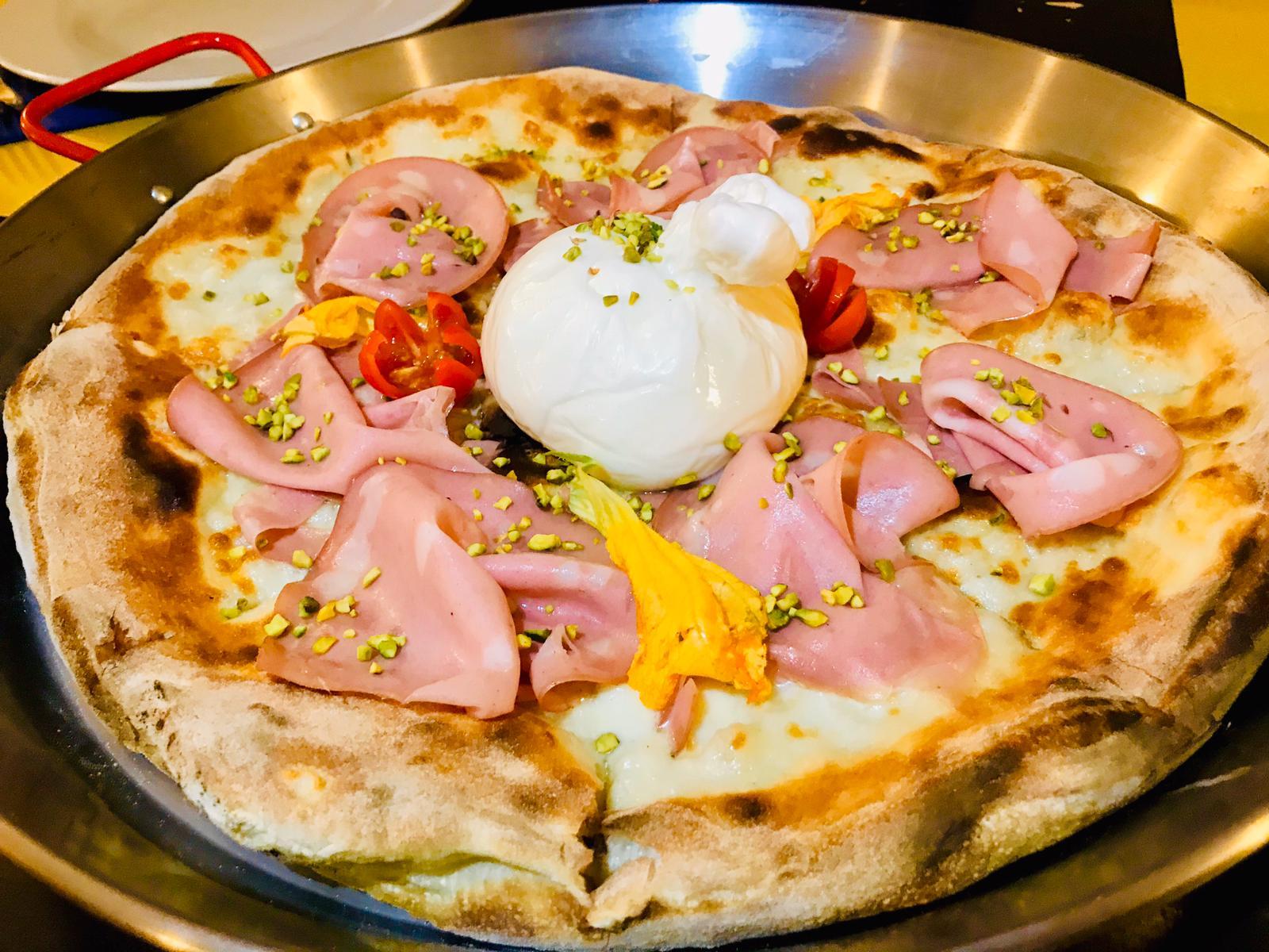 maxi pizza su padella